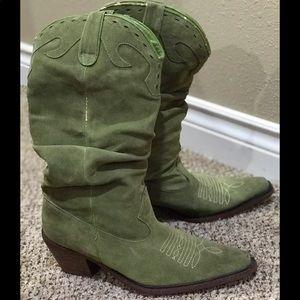 STEVE MADDEN Green Suede Cowboy Boots!
